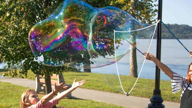 Enfield Independent: What's not to love about bubbles? Credit: Etsy / BubblePalooza