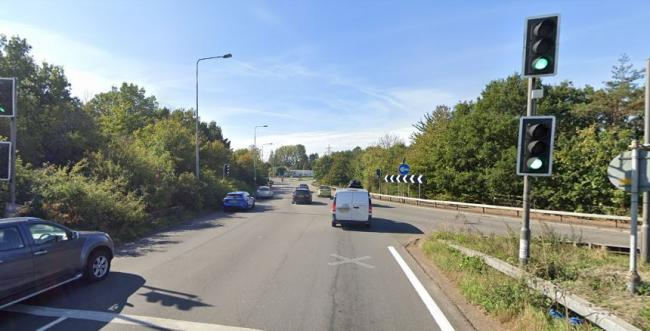 Junction 25 of the M25, where the motorway meets the A10 near Broxbourne, will be reconfigured to improve traffic flow (google street view)
