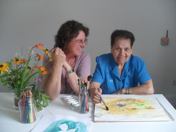 Volunteer art therapist Joy Young and North London Hospice patient Eleni Robb