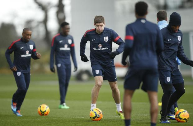 Captain Steven Gerrard and Jermain Defoe train with England at Hotspur Way in Enfield. Photo taken by Action Images