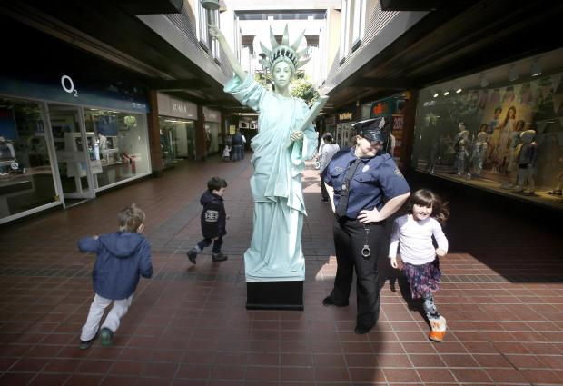 Living Statue of Liberty comes to Enfield