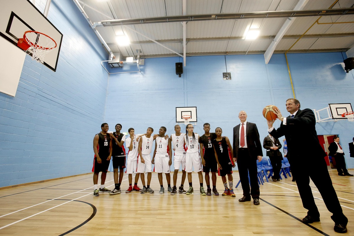 Spurs legend opens new school sports hall