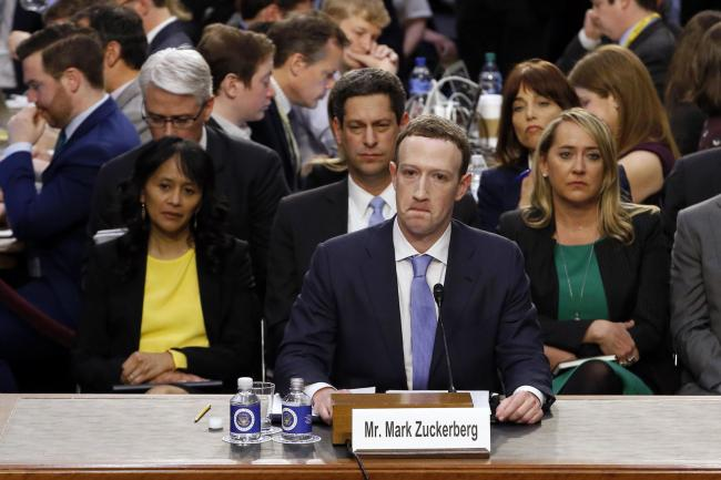 Facebook to probe \'tens of thousands\' of apps, says Mark Zuckerberg ...