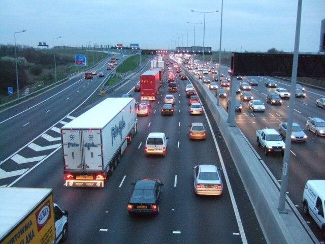 Minor collision on M25 causes morning rush hour delays